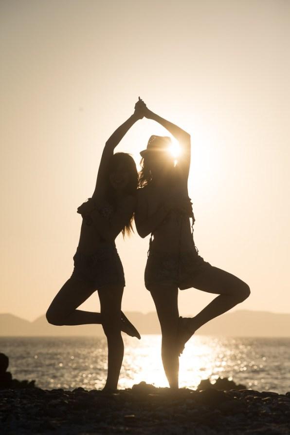 Julie et Vanessa au coucher du soleil sans retouche