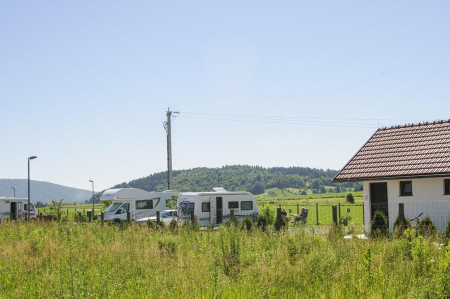 camping Ogulin, avec des sanitaires propres et de quoi faire à manger.