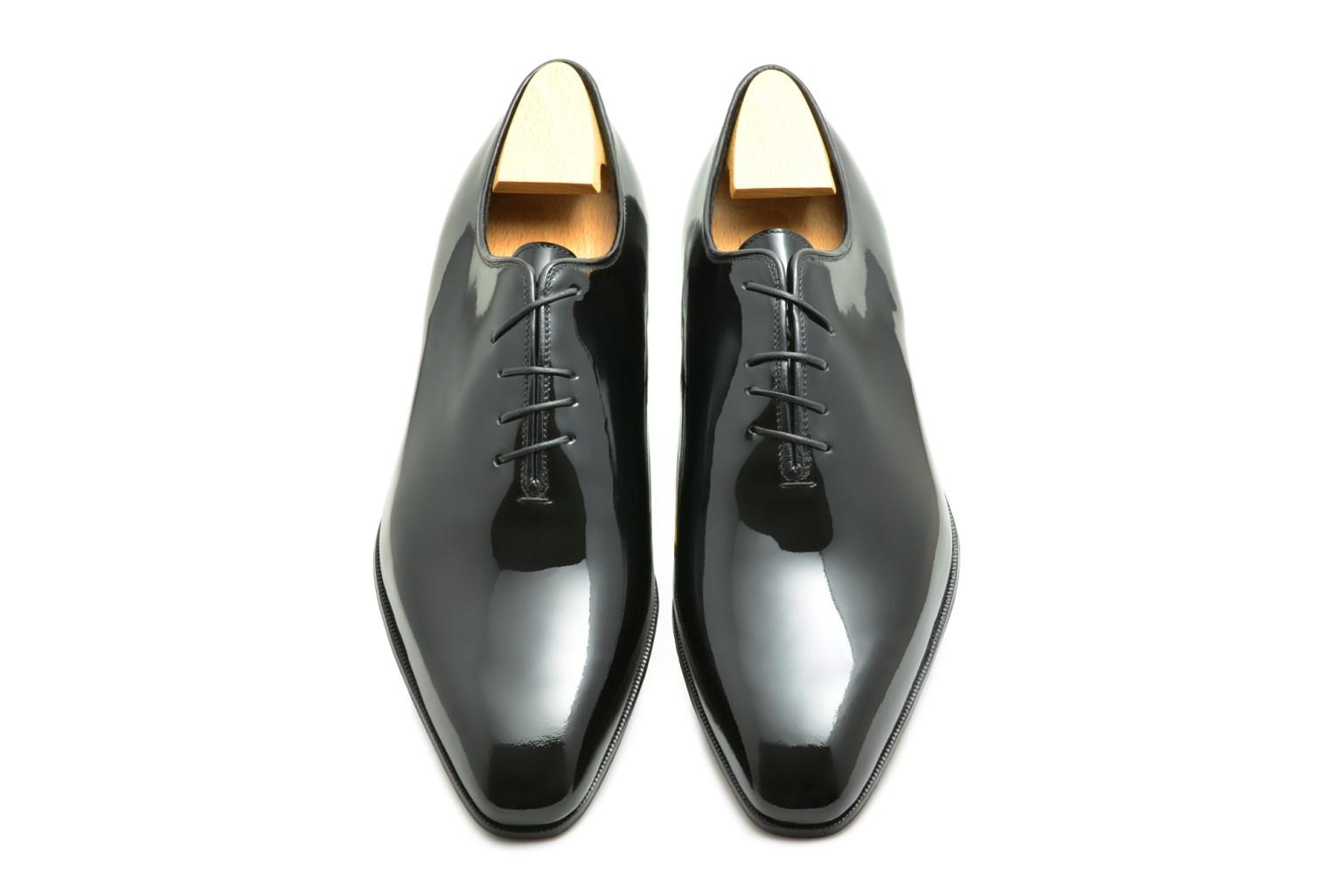 Le richelieu Oxford one-cut Crazy-Lace en cuir vernis noir