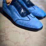 Le sneaker Aubercy en toile jeans et cuir marine