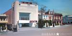 Le Mara - Vieux cinéma de la Havane - Peinture par Michelle Auboiron