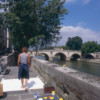 Michelle-Auboiron-peint-in-situ-les-Ponts-de-Paris-Photo-Anne-Sarter-9 thumbnail