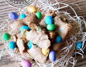 Blondies aux M&M de Pâques