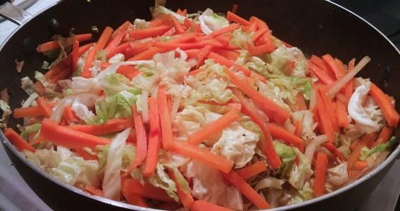 Chow mein au poulet dans un seul chaudron - Auboutdelalangue.com (8)