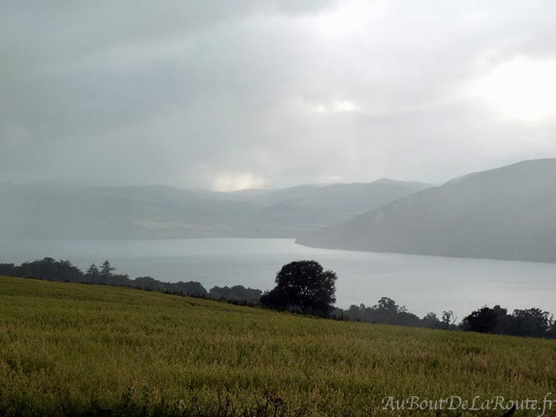 Loch Ness  sous la pluie