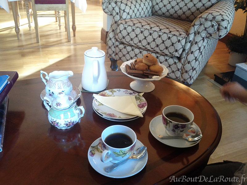 Ard Ri House tea time