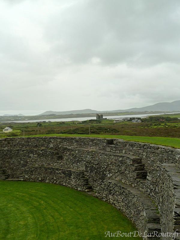Vue sur Ballycarbery Castle de Cahergall