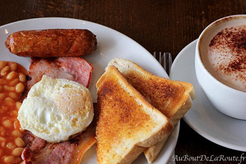 English Breakfast au cafe Mocha