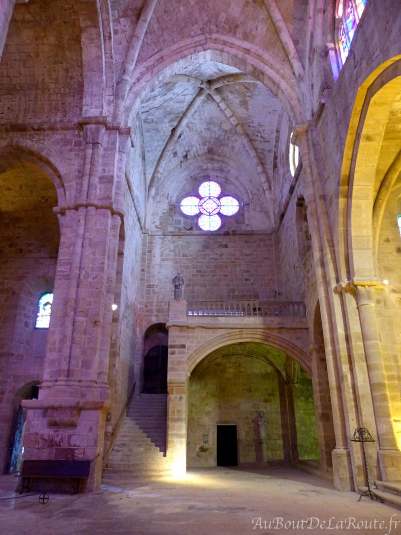 Tribune dans le transept