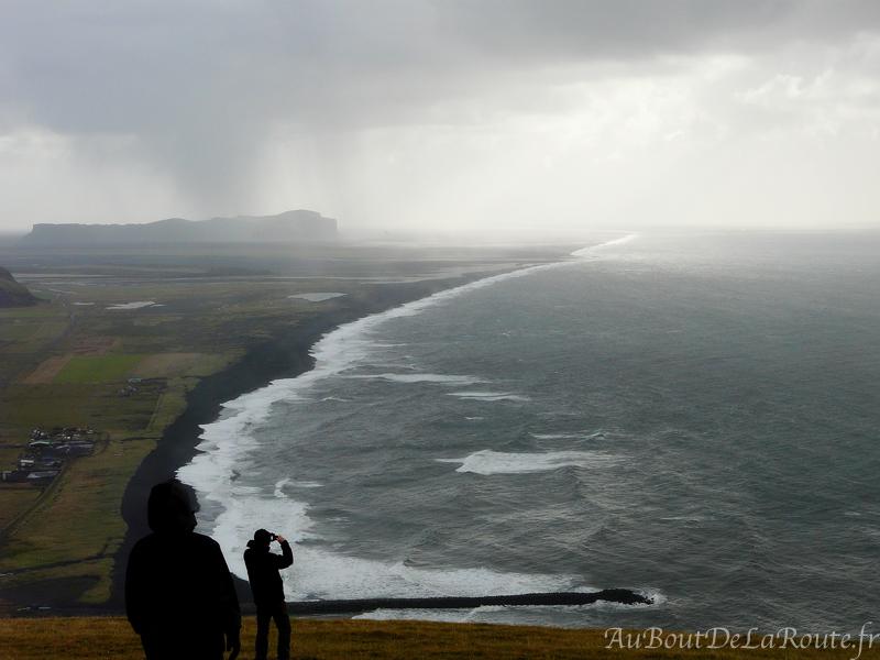 Vue sur la plage de Vik de Reynisfjall