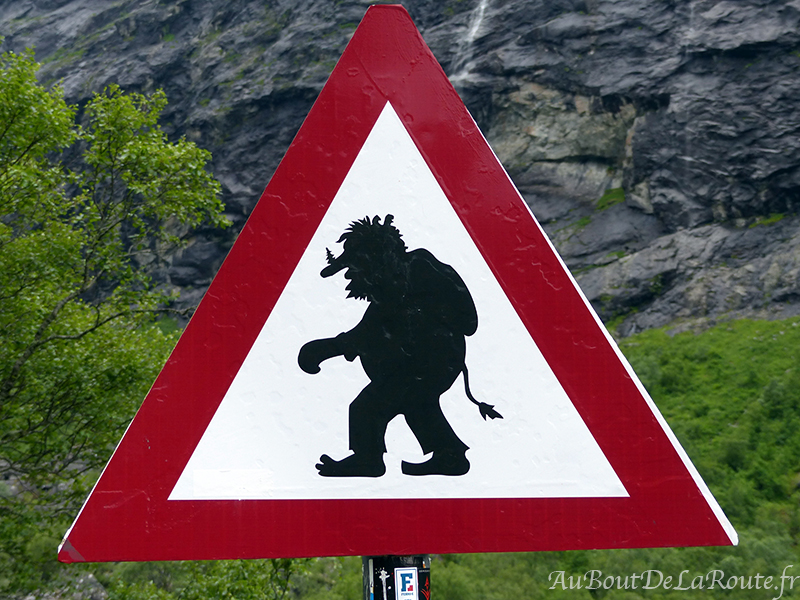 Attention Troll !