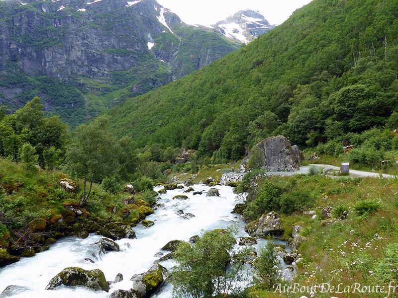 Randonnée de Briksdalsbreen
