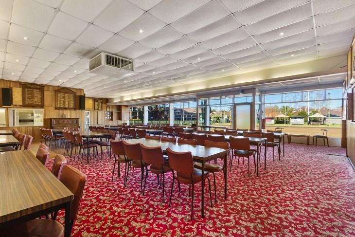 Auburns Dinning room