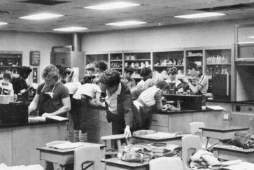 A science lab in the 100s hallway, 1984