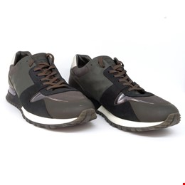 Louis Vuitton Runaway Sneakers, Size 10