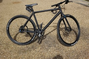 Cube Hyde Black Hybrid Bike