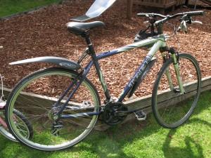 Trek 7200 front suspension hybrid bike. Aluminium frame, Shimano brakes and gears
