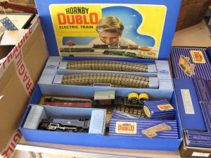 Lot 34 - Hornby Dublo Electric Train Set - Sold for £50
