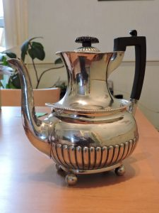 Lot 226 - Silver Tea Pot Sheffield 1904 - Sold for £130