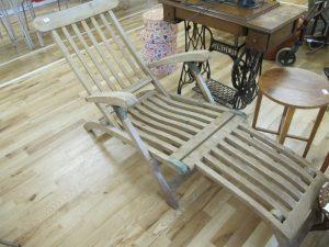 Lot 69 - Ex ocean liner steamer chair - Sold for £50