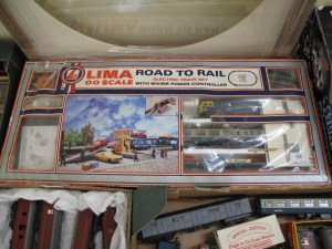 Lot 68 - Lima OO Gauge Road to Rail - Train Set - Sold for £50