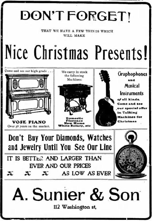 12/20/1904 Iowa Press-Citizen newspaper ad: Christmas Presents
