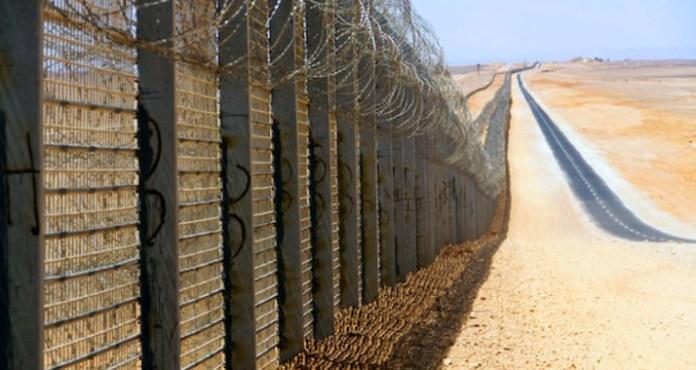 Sicherheitszaun an der Grenze zu Ägypten. Foto: Idobi, Wikipedia | CC BY-SA 3.0