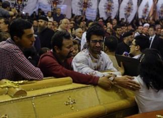 Bei islamistischen Anschlägen am Palmsonntag auf zwei koptische Kirchen in Ägypten wurden am 9. April 2017 mindestens 40 Menschen getötet und über 120 Personen verletzt. Foto Screenshot Youtube.