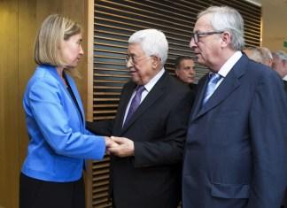 Federica Mogherini, Mahmoud Abbas, und Jean-Claude Juncker. Foto European External Action Service / https://www.flickr.com/photos/eeas/27386663833/in/album-72157669416247520/, (CC BY-NC 2.0)