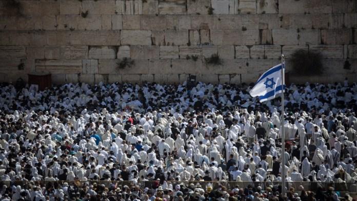 Gebet vor der Kotel (Klagemauer). Foto Hadas Parush/Flash90