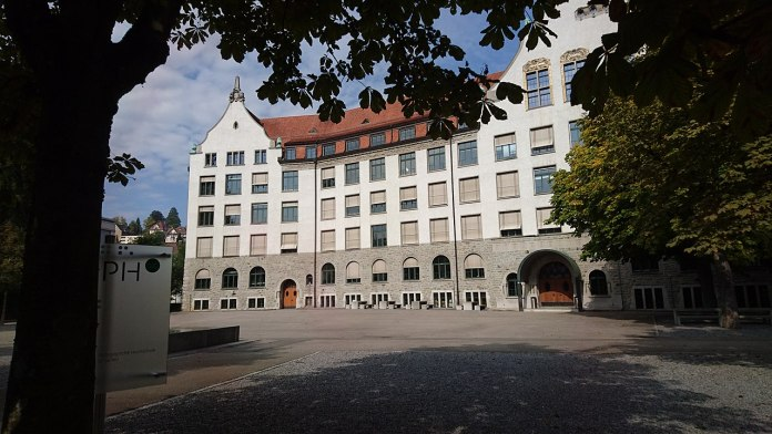 Pädagogische Hochschule des Kantons St. Gallen. Foto EtschPat, CC BY-SA 4.0, https://commons.wikimedia.org/w/index.php?curid=63134088