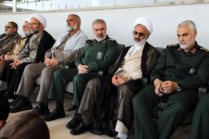 Qasem Soleimani an der Konferenz der Basij-Mitglieder im Azadi-Stadion am 4. Oktober 2018. Foto http://farsi.khamenei.ir/photo-album?id=40633#i, CC BY 4.0, https://commons.wikimedia.org/w/index.php?curid=73424664