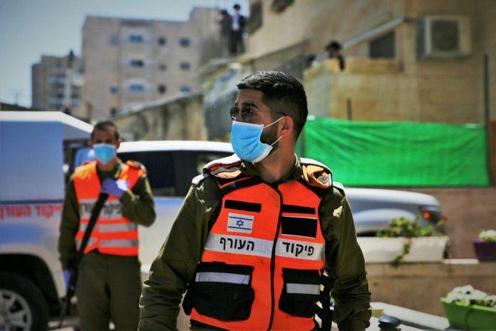 Soldaten des IDF-Heimatfrontkommandos in Jerusalem am 13. April 2020. Foto Yehonatan Valtser/TPS