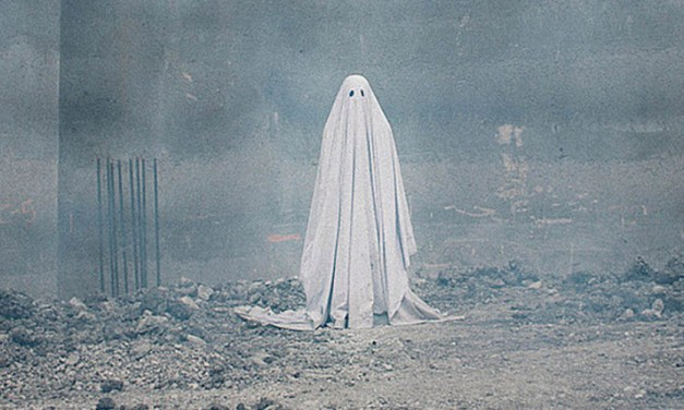 A Ghost Story Carries the Sad Weight of Life and Haunts With Inspiration