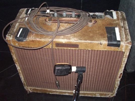 Microfonar o amplificador ou não? 1