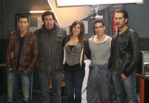 El equipo de actores con Daniel Calparsoro