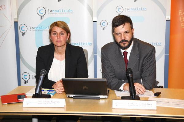 Carlota Navarrete, directora de La Coalición, y Héctor Jiménez, de la consultora GfK, durante la presentación del estudio