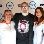 'Inteligencia colectiva', 'Deception' y 'Miracle Workers', entre los estrenos de TNT para esta temporada