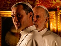 Jude Law y John Malkovich, en la primera imagen fija de 'The New Pope'
