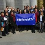Presentadas en el Congreso de los Diputados más de 2.200 firmas en defensa de Televisión Española