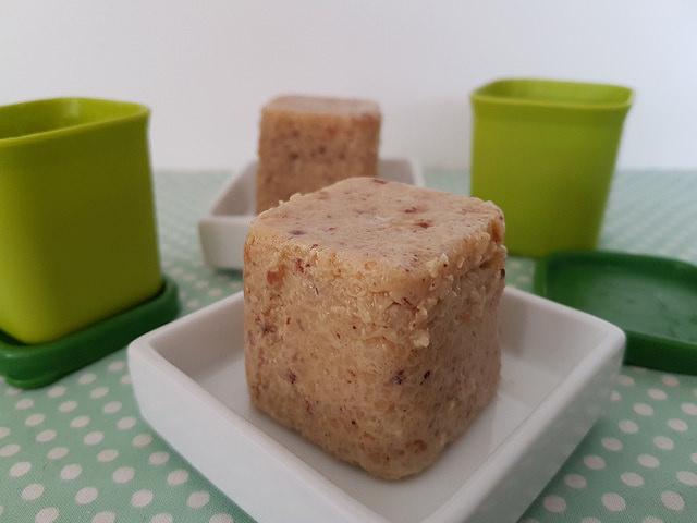 Gâteaux de semoule, cuits à la vapeur