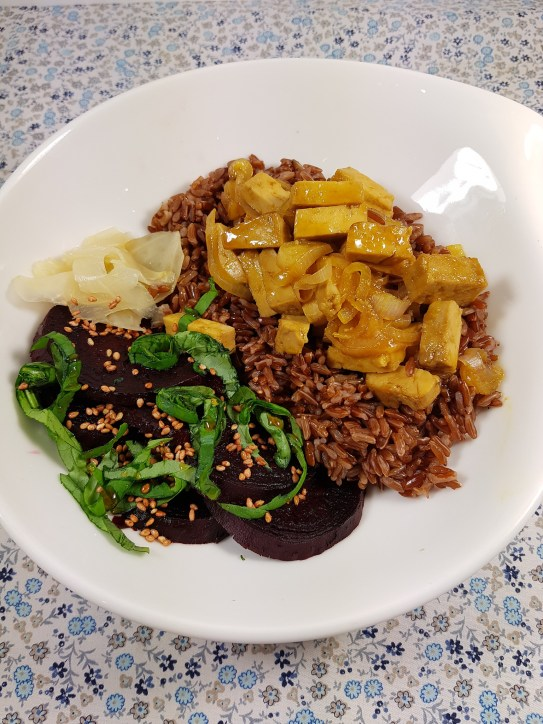 Veggie Bowl : Tofu caramélisé à l'orange