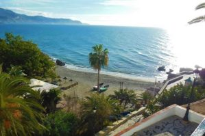 Costa del Sol, blaues Meer, Winter in Andalusien