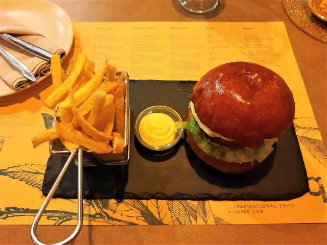 Burger mit Spiegelei