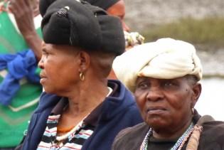 Suedafrika-Bulungula-Xhosa-Frauen-beige