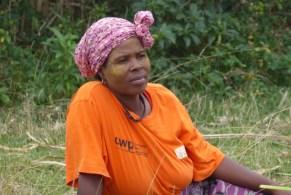 Suedafrika-Bulungula-Xhosa-Frau-orange