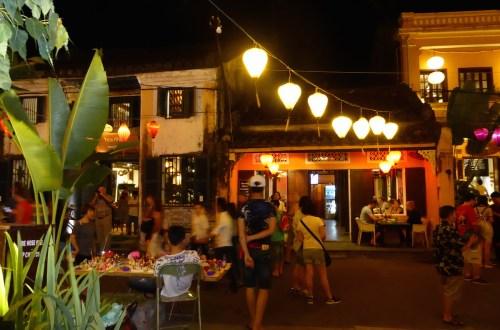Vietnam HoiAn Strassenszene nachts | aufmerksam reisen