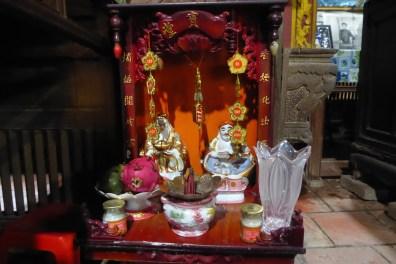 vietnam_mekong_homestay_altar