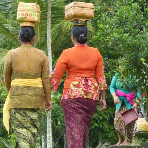 Bali-Land-Frauen-Korb