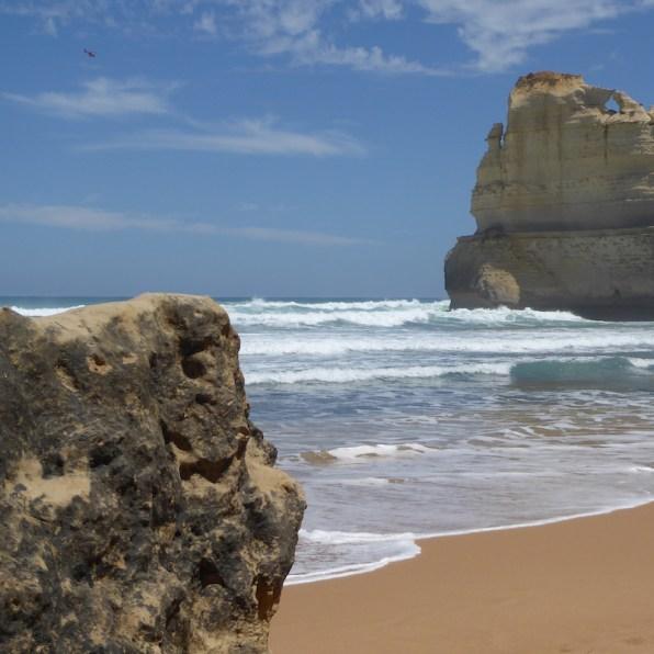 Australien-GreatOceanRoad-Felsen-Strand